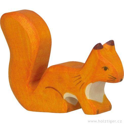 Sedící oranžová veverka – dřevěné zvířátko zlesa - Holztiger