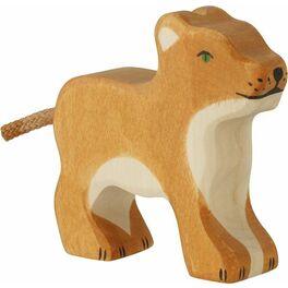 Stojící malé lvíče – dřevěné zvíře