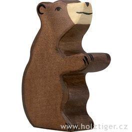 Medvěd hnědý, malý, sedící – dřevěné zvíře